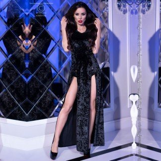 Vestido-terciopelo-negro-con-capucha